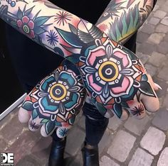 crazy hand tattoos // 30+ Beautifully Colourful Traditional Tattoos