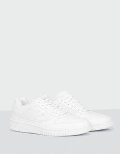 http://www.pullandbear.com/id/en/man/shoes/see-all/basketball-plimsolls-c670010p100422928.html