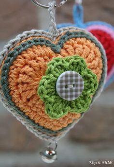 Tutorial corazon crochet. Me encanta!