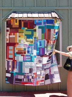 gorgeous quilt, if I were going to make one on my own, I'd try to replicate something like this!