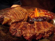BIFE DE CHORIZO Carne Asada, Bon Ap, Barbacoa, Chorizo, Steak, Grilling, Favorite Recipes, Food, Barbecue