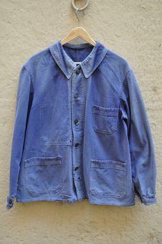 Two same french work jacket, one Deadstock and one faded Big Men Fashion, Blue Fashion, Workwear Fashion, Denim Fashion, Mode Masculine Vintage, Cool Coats, Safari Jacket, Mode Jeans, Work Jackets