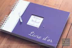 Livre d'or personnalisé Blanc et Violet