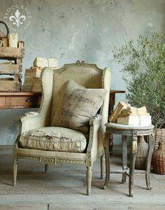 Make your own style statement with vintage furniture The term 'Vintage Furniture' should not be confused with antique furniture. The term vintage basically refers to a particular period, so vintage furniture refers to a time period when this particular French Furniture, Rustic Furniture, Vintage Furniture, Home Furniture, Modern Furniture, Outdoor Furniture, Find Furniture, Furniture Layout, Furniture Design