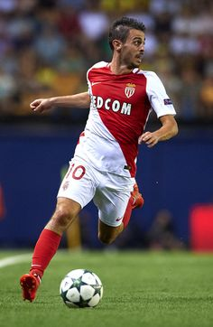 Bernardo Silva of Monaco runs with the ball during the UEFA Champions League…