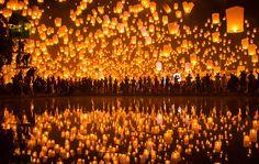 [フリー画像素材] 風景, 祭り, 天灯, タイ, 反射 / 鏡像, コムローイ ID:201311230200