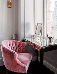 Divani in velluto - Poltrona rosa in velluto