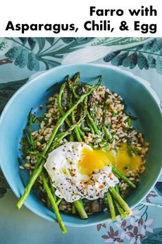 This is a great brunch salad. I mix the poached egg into the farro so that the oil and egg become the dressing. Veggie Recipes, Vegetarian Recipes, Cooking Recipes, Healthy Recipes, Vegan Meals, Lunch Recipes, Healthy Foods, Yummy Recipes, Quick Healthy Lunch
