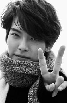 Actors Male, Asian Actors, Korean Actresses, Korean Actors, Actors & Actresses, Kim Woo Bin, L Kpop, Uncontrollably Fond, Hot Korean Guys