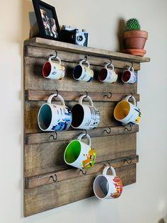 Coffee Cup Rack, Coffee Mug Display, Coffee Mug Holder, Coffee Cups, Coffee Mug Storage, Coffee Coffee, Coffee Beans, Tea Cup Display, Diet Coffee