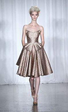 Zac Posen 2014 Resort. There's something I like about it, it feels like Marie Antoinette inspired!