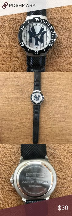 New York Yankees Watch New York Yankees Watch. Brand new battery. In great working condition. Game Time Accessories Watches