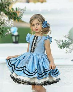 Cute Little Girls Outfits, Classic Photography, Tiffany Blue, Stylish Dresses, Beautiful Eyes, London Fashion, Kids Wear, Vintage Dresses, Look