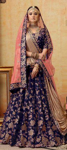 Indian Bridal Lehenga, Indian Bridal Outfits, Indian Bridal Fashion, Wedding Lehenga Designs, Kurti Designs Party Wear, Choli Designs, Bridal Dress Design, Blue Bridal, Pakistani Dresses
