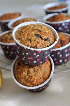 Muffin bananes & flocons d'avoine {sans beurre Bananenmuffins & Haferflocken {ohne Butter} Healthy Cupcake Recipes, Healthy Muffins, Healthy Sweets, Gourmet Recipes, Baking Recipes, Dessert Recipes, The Oatmeal, Oatmeal Flour, Banana Oatmeal Muffins