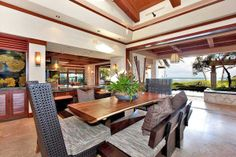 We love this gorgeous vacation rental located on Oahu's South Shore. Paradise Cove Estate is a luxurious oceanfront residence comprising square feet of living space with seven spacious bedrooms with en-suite bathrooms.
