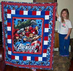 Avengers Quilt w/Captain America Man Quilt, Boy Quilts, Superhero Quilt, Superhero Ideas, Disney Quilt, Kids Blankets, Panel Quilts, Quilt Block Patterns, Quilt Making