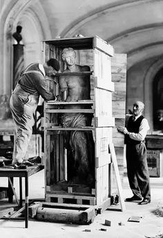 Venus de Milo, Louvre, 1938