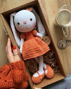 Ideas for crochet socks baby diy crafts Easy Amigurumi Pattern, Crochet Bunny Pattern, Crochet Teddy, Crochet Flower Patterns, Crochet Toys, Amigurumi Doll, Knitting Toys, Diy Crochet, Crochet Baby
