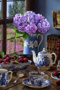 Blue and White Tea Good Morning Coffee, Coffee Time, Tea Time, Vintage Tee, High Tea, Afternoon Tea, Tea Set, Tea Party, Flower Arrangements