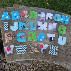 Get your little one learning their ABC's with this stunning and tactile set of letters made out of a variety of beautifully patterned material. Choose from three different options - traditional girls' colours and patterns (pinks and purples, etc), traditional boys' colours and patterns (blues and greens, etc), and a neutral option.  The alphabet set comes in a little drawstring storage bag so you can keep all the letters together. Pop Up Market, Handmade Felt, Bag Storage, Making Out, Kids Toys, Alphabet, Blues, Neutral, Letters