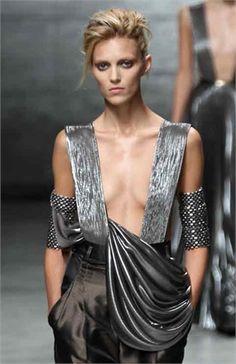 Haider Ackermann Spring Summer 2012 Rock Rings, Female Armor, We Wear, How To Wear, What Is Fashion, Metal Fashion, Zoe Kravitz, Liv Tyler, Nicole Richie