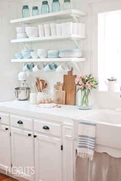 Enjoy fresh ideas for your Spring decorating. Spring home tour by TI ..
