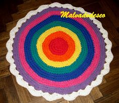 """Alfombra """"chakras elevados"""" tejida al crochet"""