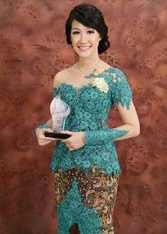Cth baju wisuda Kebaya Brokat, Kebaya Dress, Batik Kebaya, Batik Dress, Lace Dress, Kebaya Jawa, Modern Kebaya, Indonesian Kebaya, Kebaya Muslim