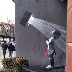Street Art by Banksy Murals Street Art, 3d Street Art, Street Art Banksy, Banksy Art, Urban Street Art, Best Street Art, Mural Art, Street Artists, Bansky