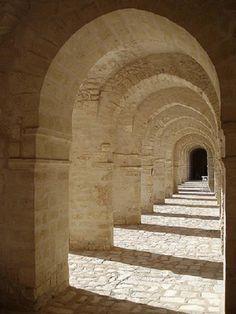 Arcade of transverse arches in Mahdia Mosque Tunisia century) Islamic Decor, Never Sleep, 11th Century, Vaulting, Mosque, Arcade, Past, Stairs, Construction