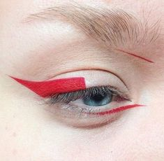 Image in makeup collection by - on We Heart It Edgy Makeup, Eye Makeup Art, Cute Makeup, Makeup Inspo, Eyeshadow Makeup, Makeup Inspiration, Makeup Tips, Beauty Makeup, Red Eyeliner