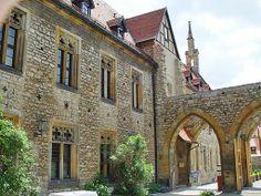 Zwischen 1505 und 1511 lebte Martin Luther als Mönch im Erfurter Augustinerkloster, im Jahr 1507 wurde er hier zum Priester geweiht.