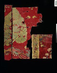 Mughal Carpet fragment V&A Museum mid 17th c