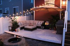 How to Build a Simple DIY Deck on a Budget - totally want to do this in our backyard! great information :D on a budget patio How to Build a Simple DIY Deck on a Budget Budget Patio, Diy Decking On A Budget, Design Jardin, Design Balcon, Garden Design, Backyard Patio Designs, Diy Patio, Backyard Seating, Backyard Pergola