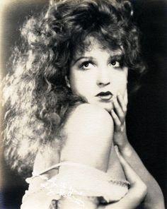 The gorgeous locks actress Lili Damita, 1920s