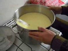 FABRICATION DU FROMAGE (tome au lait de vache) - YouTube Homemade Cheese, Nom Nom, Food And Drink, Healthy, Ethnic Recipes, Bio, Boursin, Cow Cheese, Queso Blanco