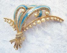 Gorgeous Coro Faux Pearl, Enamel, and Crystal Rhinestone Brooch