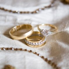 Gold Wedding Rings // photo: Ira Lippke Studios // event planning: Jessica Jakobson