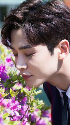 Joon Hyuk, Jae Yoon, Korea Boy, Creative Instagram Stories, Billboard Music Awards, Kdrama Actors, Cha Eun Woo, K Idol, Korean Artist