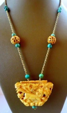 FINE ANTIQUE CHINESE TURQUOISE FAUX CARVED INRO NECKLACE Asian