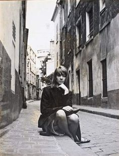For Francoise Hardy Rock And Roll Girl, Françoise Hardy, Bonnie Tyler, French Girls, French Pop, French Vintage, Jean Luc Godard, French Beauty, Vintage Glamour