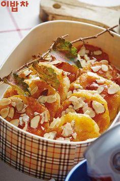 과일 대신 입에 착 붙는 '구운감자 찹쌀떡' : 네이버 포스트 Korean Dessert, Korean Food, Ratatouille, Chili, Food And Drink, Soup, Cooking, Breakfast, Health
