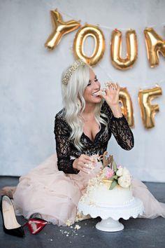 Ideas birthday photoshoot cake smash for 2019 36th Birthday, Birthday Cake Smash, 30th Birthday Parties, Birthday Woman, 30th Birthday Cake For Her, 30th Birthday Ideas For Women, Birthday Cakes For Women, Adult Cake Smash, Bolo Cake
