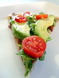tomato + avocado pizza YUM-O! Think Food, I Love Food, Food For Thought, Good Food, Yummy Food, Tasty, Vegetarian Recipes, Cooking Recipes, Healthy Recipes