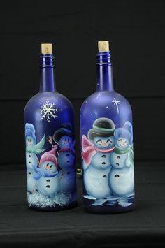 Wine Bottle Design, Wine Bottle Art, Diy Bottle, Blue Bottle, Wine Bottle Crafts, Bottle Lamps, Bottle Top, Painted Glass Bottles, Lighted Wine Bottles
