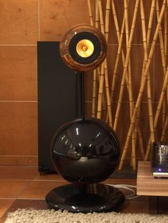 The bass response reaches low in frequency while the middle and high response remains strong and detailed. Audiophile Speakers, Hifi Stereo, Audio Speakers, High End Hifi, High End Audio, Acoustic Room Treatment, Open Baffle Speakers, Sound Room, Floor Standing Speakers