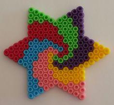 Étoile spirale en perles de hama