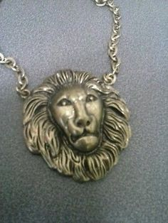 Vintage look metal chain Leo Lion necklace