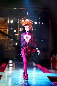Bremen Wong millinery for Sogo Kl 2013 , fashion designer  by Carven Ong , Headgears by Bremen W